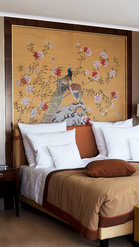 chinoiserie dipinta su seta spazzolata a mano per hotel
