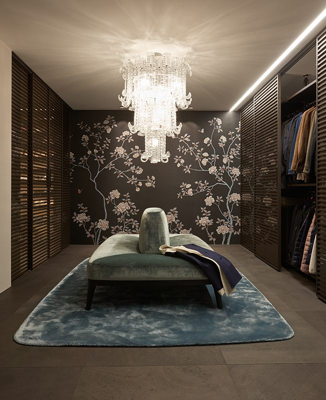 beautiful silk wallcoverings for wardrobe with chinoi serie design and peonies