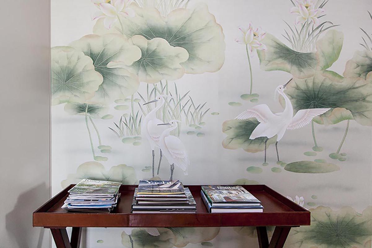 hand painted silk wallcoverings suitable for living room with chinese bird and pond design