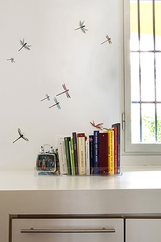 Flying insect and natural wallcoverings and wallpaper for kids