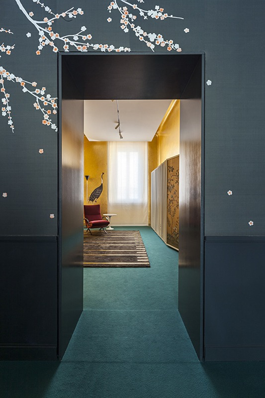 beautiful entrance of plum tree wallcoverings blossoming the room
