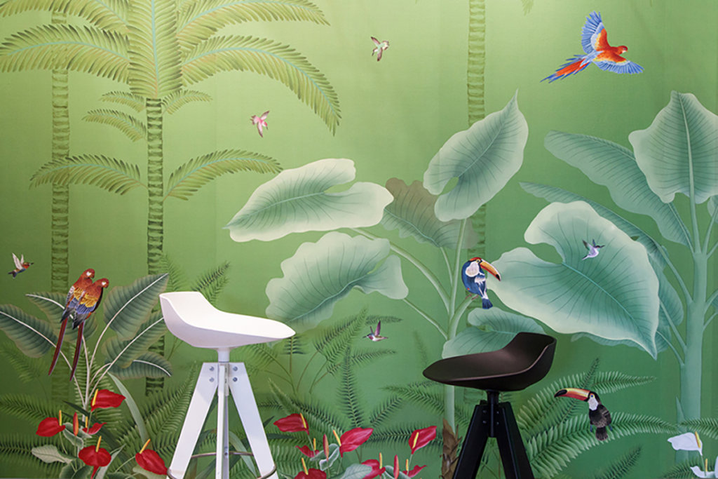 Tropical theme wallpaper and wallcoverings for living room
