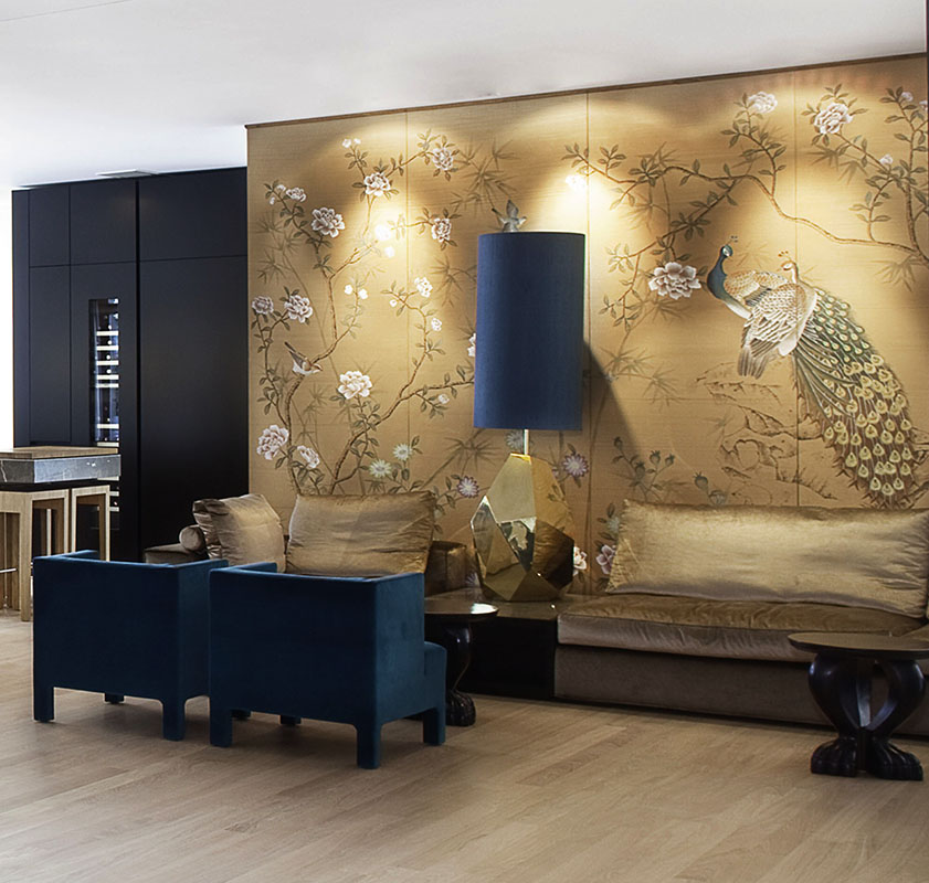 chinoi serie wallcoverings on silk with peacocks drawing for living room