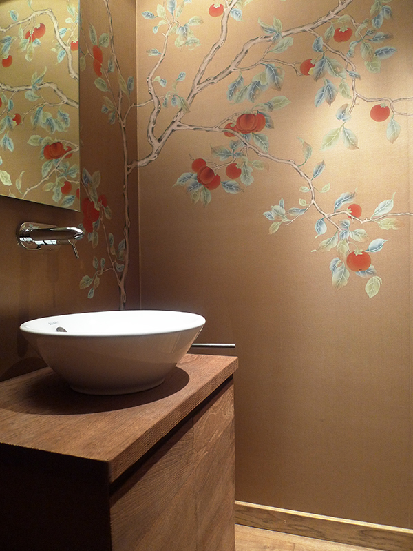 wallcoverings for bathroom with red kaki on gold background