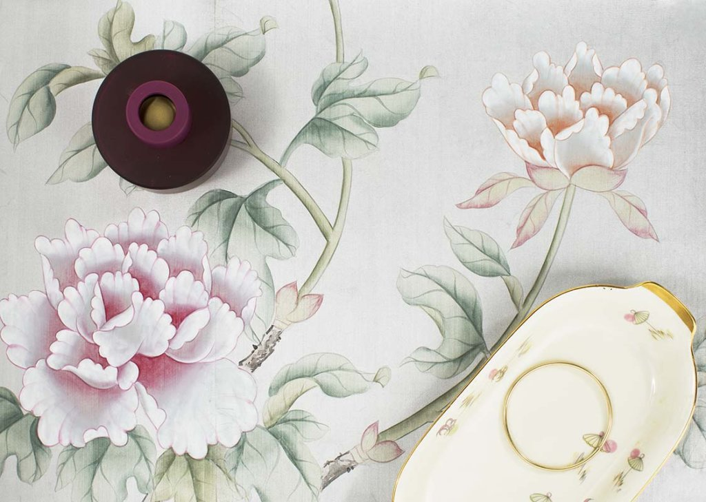 beautiful details of larks on silver powder pure silk background