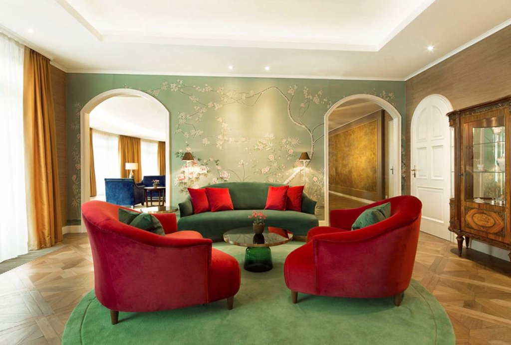 custom chinoiserie silk wallapaper for lounge hotel kempinski