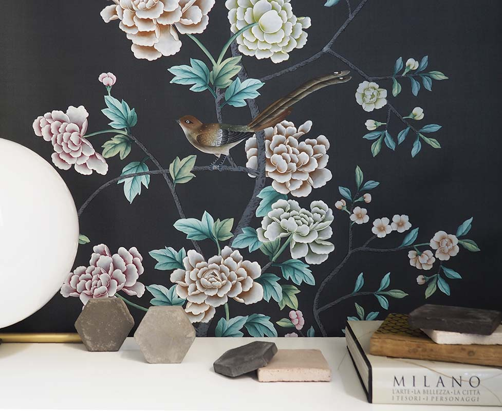 silk wallpaper with chinoiserie design with peony blossoms and bird